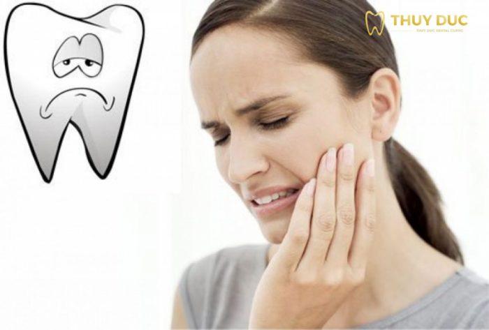 Nhổ răng khôn mọc lệch có thể gây ra ảnh hưởng gì? 1