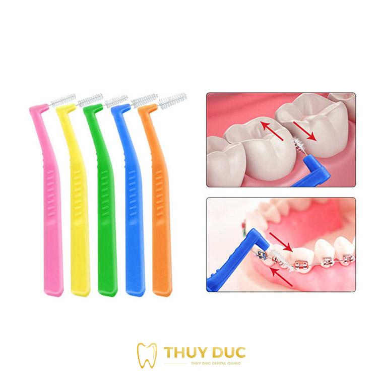 Bàn chải kẽ răng 1