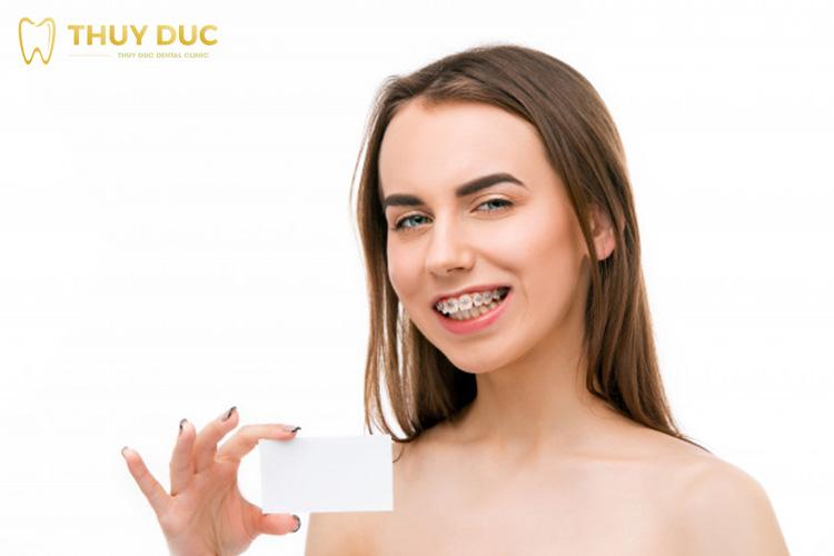 Lý giải tại sao niềng răng giá rẻ lại thu hút khách hàng? 1