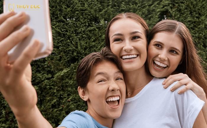 Trẻ em có niềng răng trong suốt được không? 1