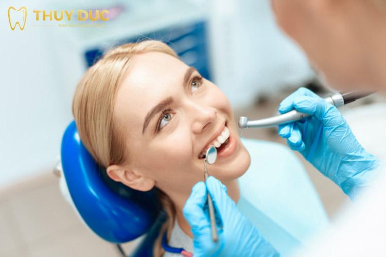 Dựa vào sức khỏe răng miệng và cơ thể 1